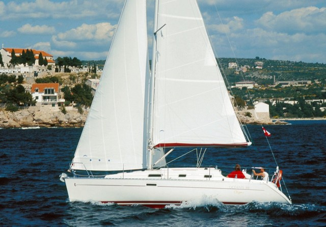 Oceanis Clipper 311